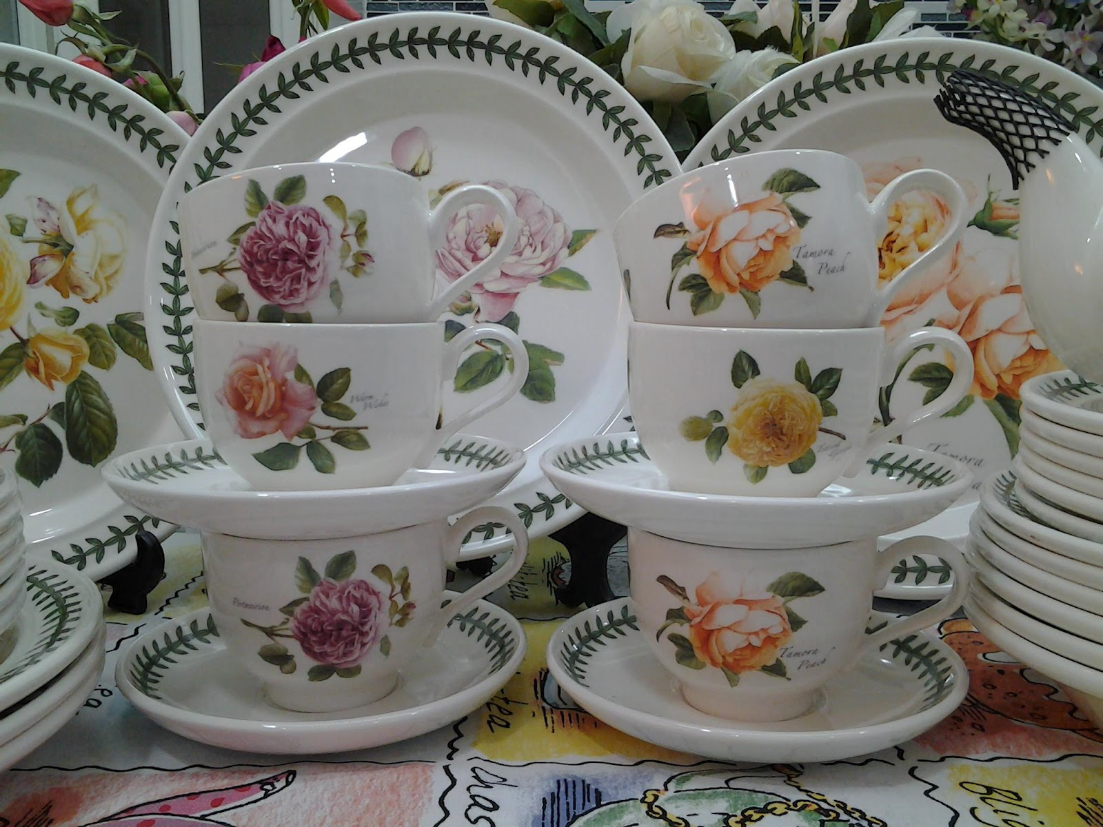Lovely Treasures From English Garden Portmeirion Botanic Roses Dinner Tea Set