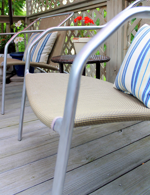 outdoor chair makeover using rub 'n buff