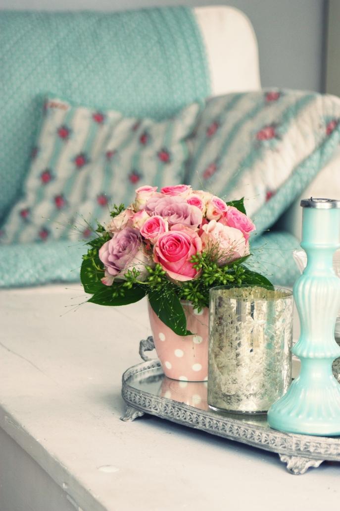 katjas home a sunny day. Black Bedroom Furniture Sets. Home Design Ideas
