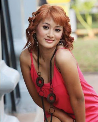 Foto Hot sexy penyanyi biduan dangdut Mela Barbie - anehunique.blogspot.com