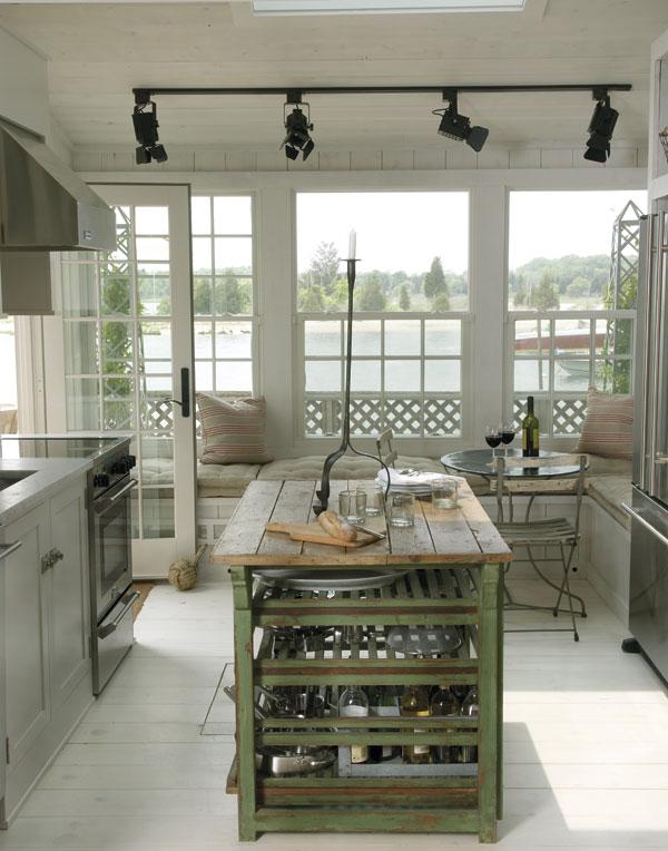 D cor de provence beach house heaven for Hampton beach house designs