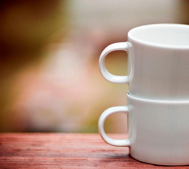 Tazas de cerámica blanca