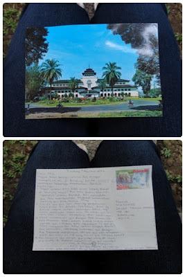 Kartu Pos dan Kantung Teh