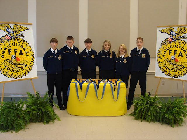ffa chapter officers Welcome to the ellsworth ffa chapter website we hope that you will visit here often to check out upcoming events, activities, forms and other information about our ffa chapter.