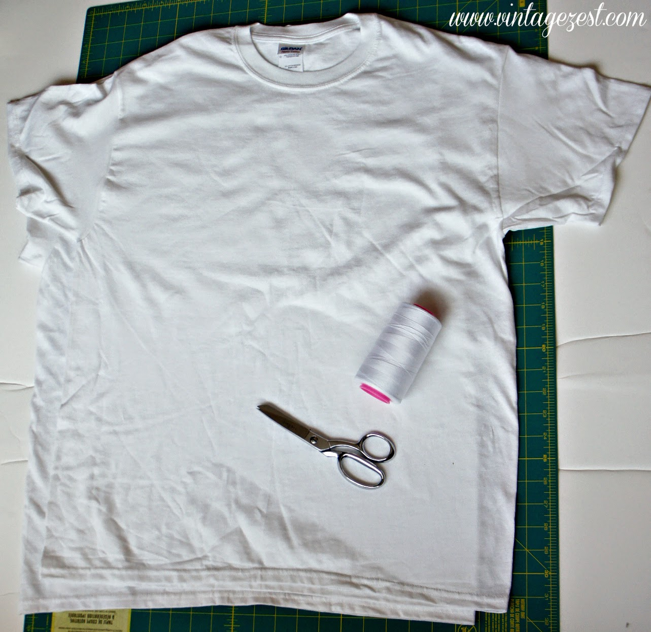 How to: DIY a Dress Upcycled from Oversized T-shirts on Diane's Vintage Zest!  #sewing #tutorial