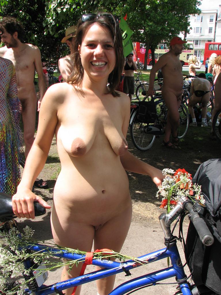Nackt Bilder : Extrem schlaffe Brüste   nackter arsch.com