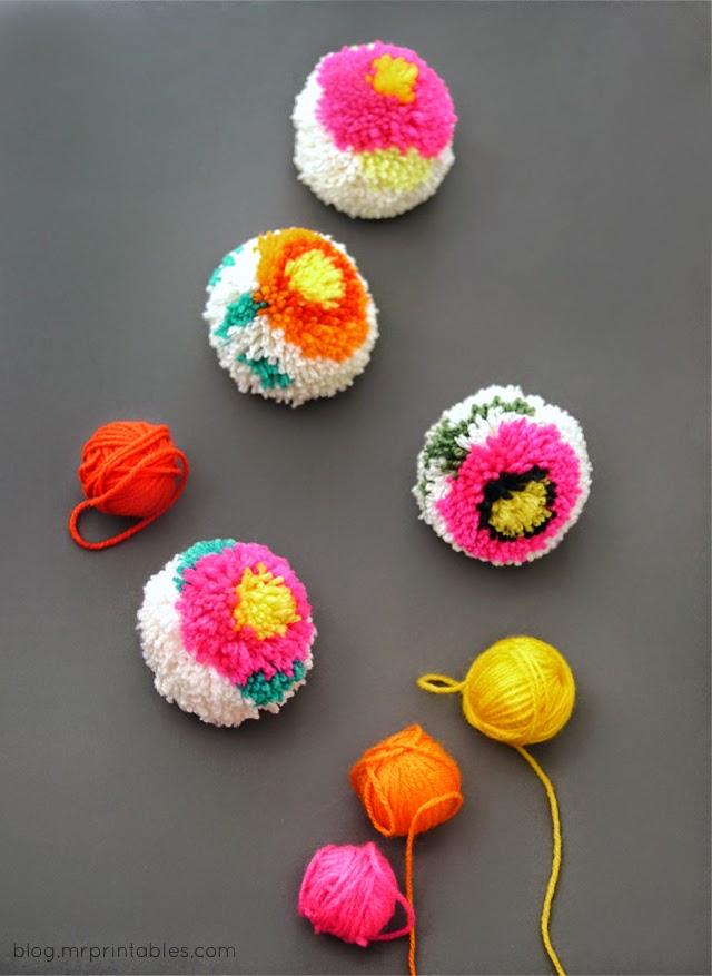 Taller de ana mar a pompones de colores - Como hacer pompones con lana ...