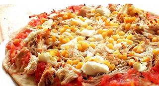 Pizza de peito de peru e milho light