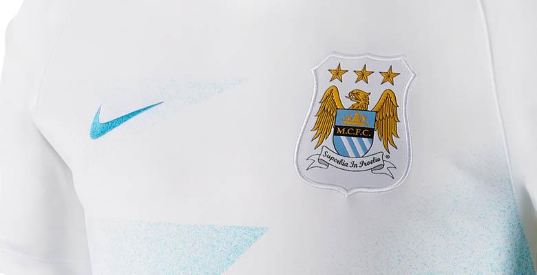 Nuevas camisetas de entrenamiento y pre partido Nike del Manchester City
