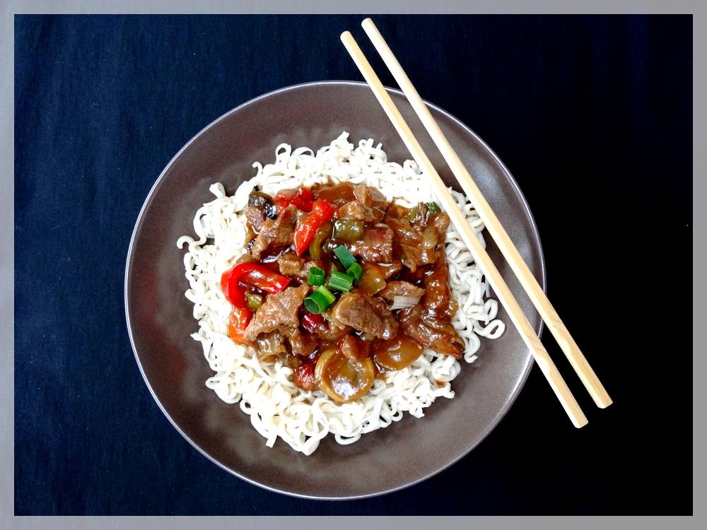 Le blog de miss red cooks recette 34 boeuf la mongole - Comment cuisiner les germes de soja frais ...