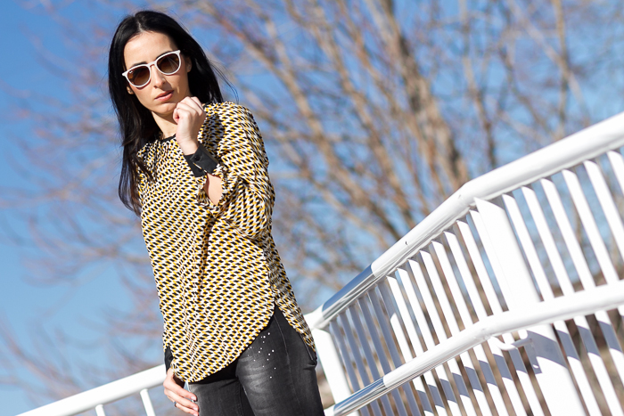 Welcome Spring: Yellow Geometrical pattern