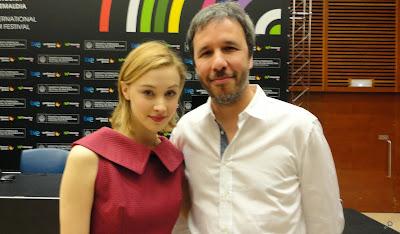 Sarah Gadon (Helen) y Denis Villeneuve - Rueda de prensa de Enemy