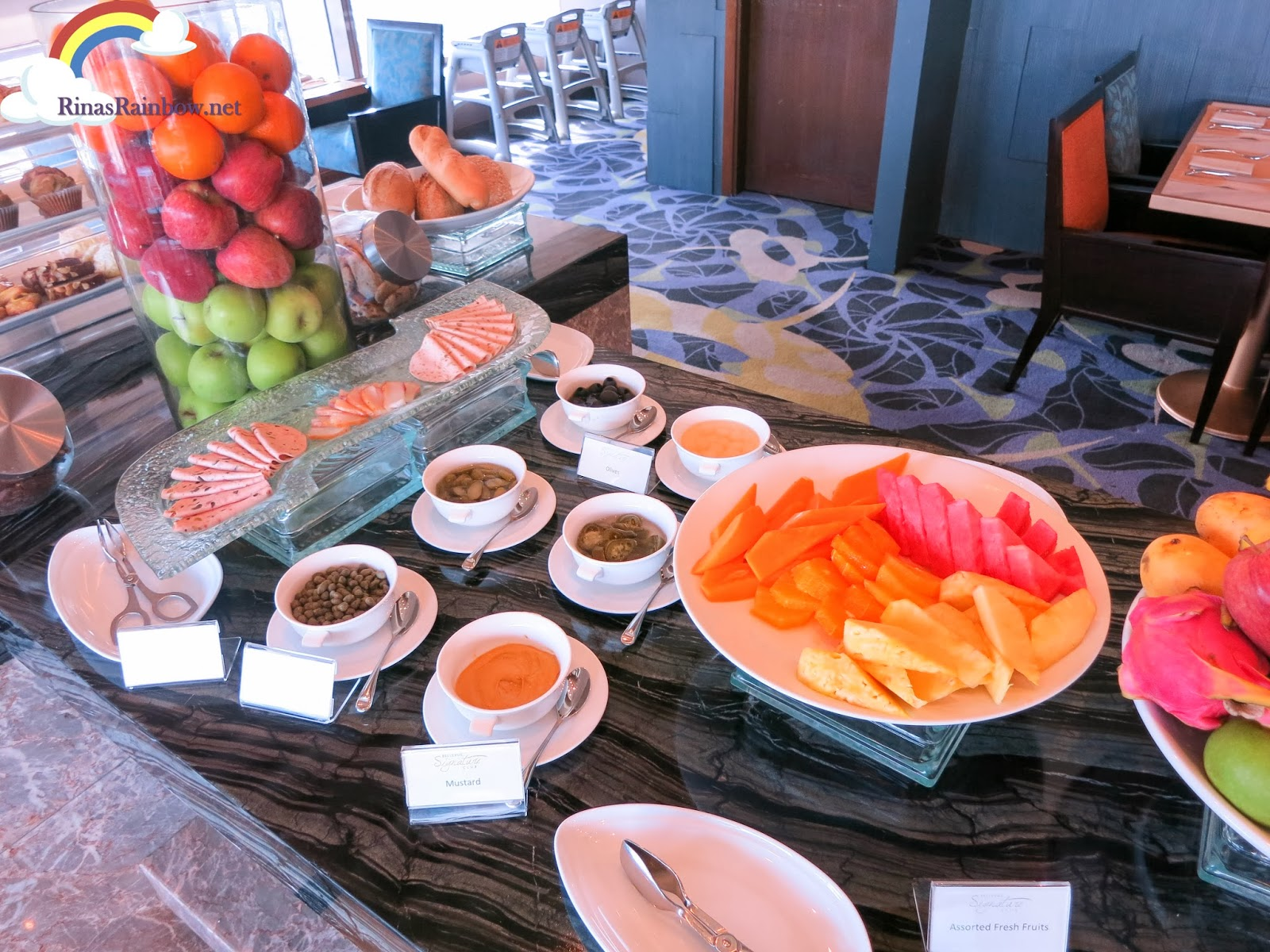 breakfast the signature club bellevue manila