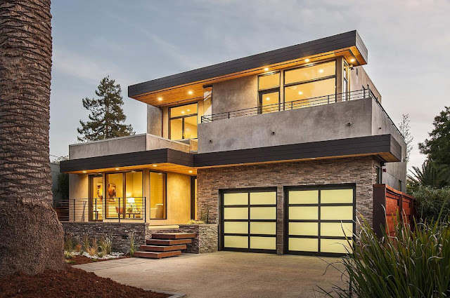 Modern front facade of Contemporary Style Home in Burlingame