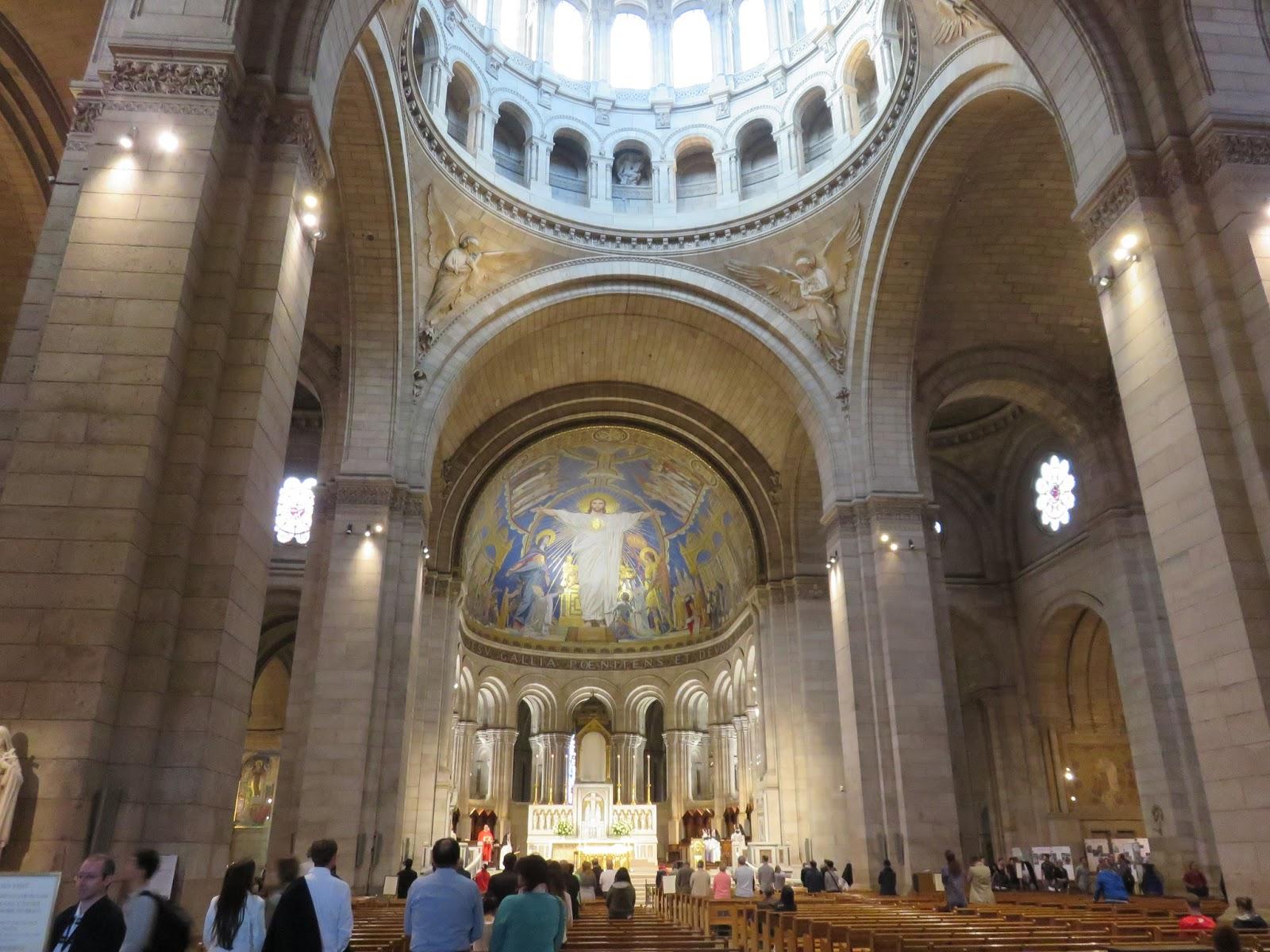 foottoearth Sacré Coeur Basilica in Montmartre