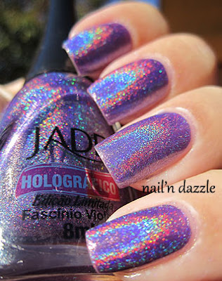 purple-holographic-polish