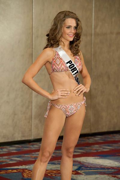 Miss-Portugal-2011-Laura-Gon%25C3%25A7alves