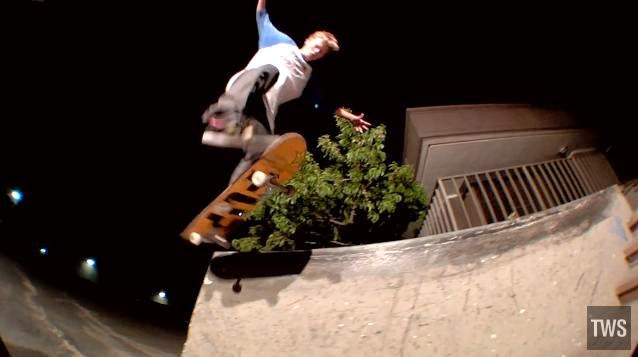 http://skateboarding.transworld.net/videos/5-trick-fix-alec-majerus/