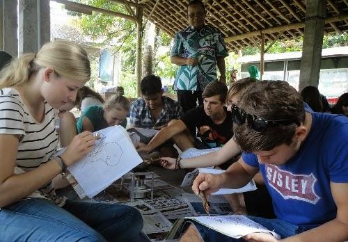 Wisatajogja; Paket Wisata Tilik Bodoh Naik Dokar Dan Sepeda Onthel Di Borobudur