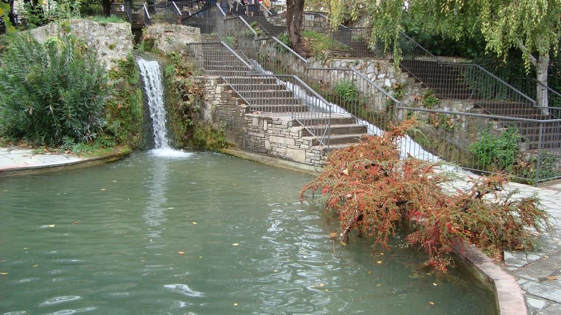 Η πισίνα στο πάρκο των καταρρακτών