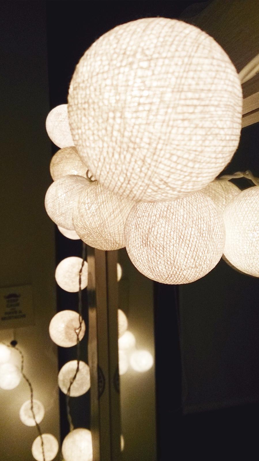 qule,cotton balls light,białe cotton balls w pokoju,DIY,inspiracje blog majsterkowanie,wnętrza,