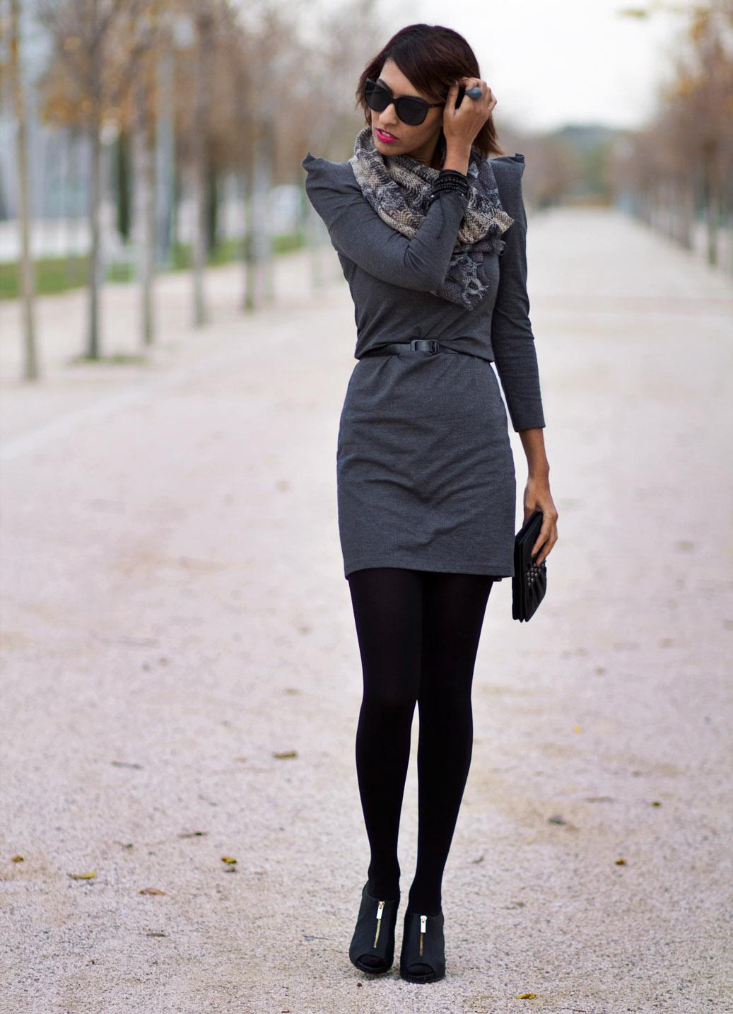 Sissy U00e0 La Mode Vestido Gris Toque Estampado Serpiente // Grey Dress With A Bit Of Snake Print