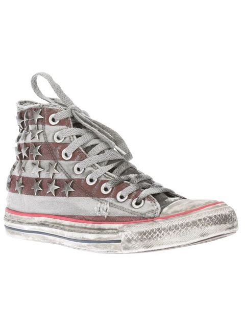 Vía Pinterest por soie agency en http://www.farfetch.com/shopping/women/converse-studded-lace-up-trainer-item-10376052.aspx