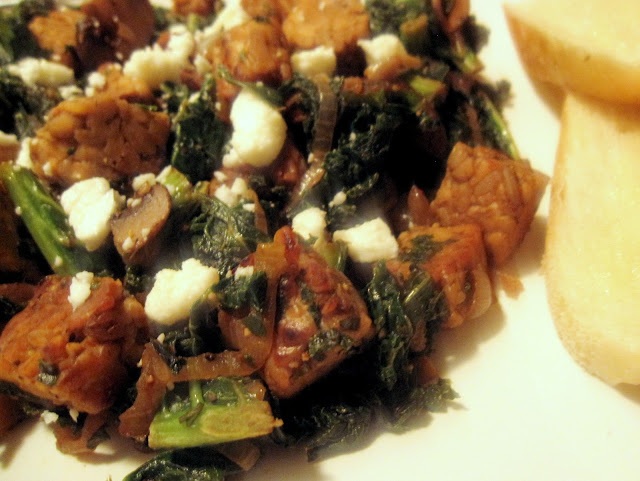 Tempeh Hash with Mushrooms and Kale