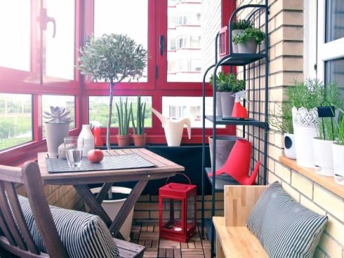 erk ly s balkon tletek dekor s mentha. Black Bedroom Furniture Sets. Home Design Ideas