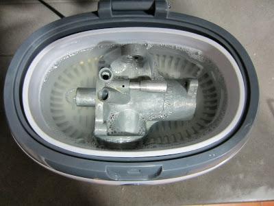 Cuerpo del carburador Amal 622 en ultrasonidos