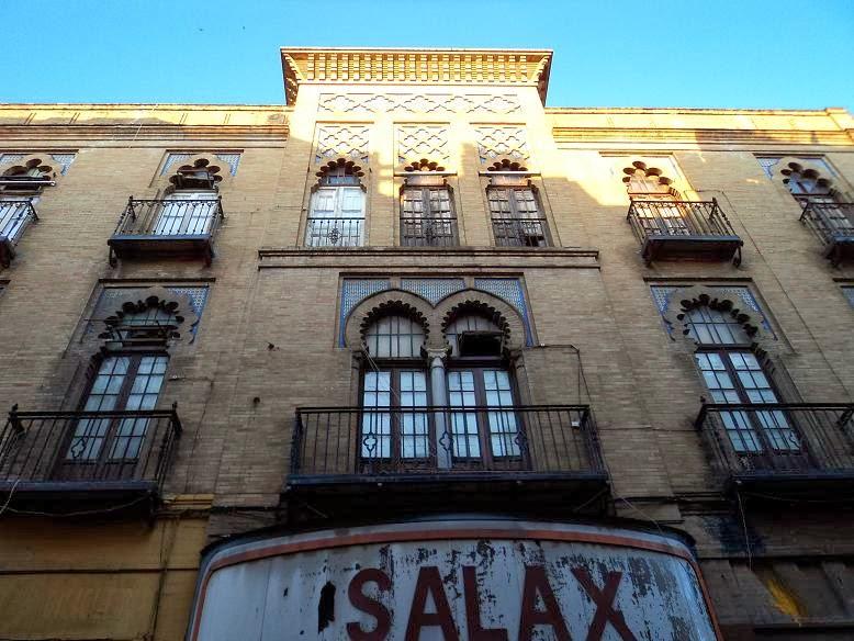 Cultura de sevilla la piqueta amenaza a an bal gonz lez for Sala 0 teatro sevilla