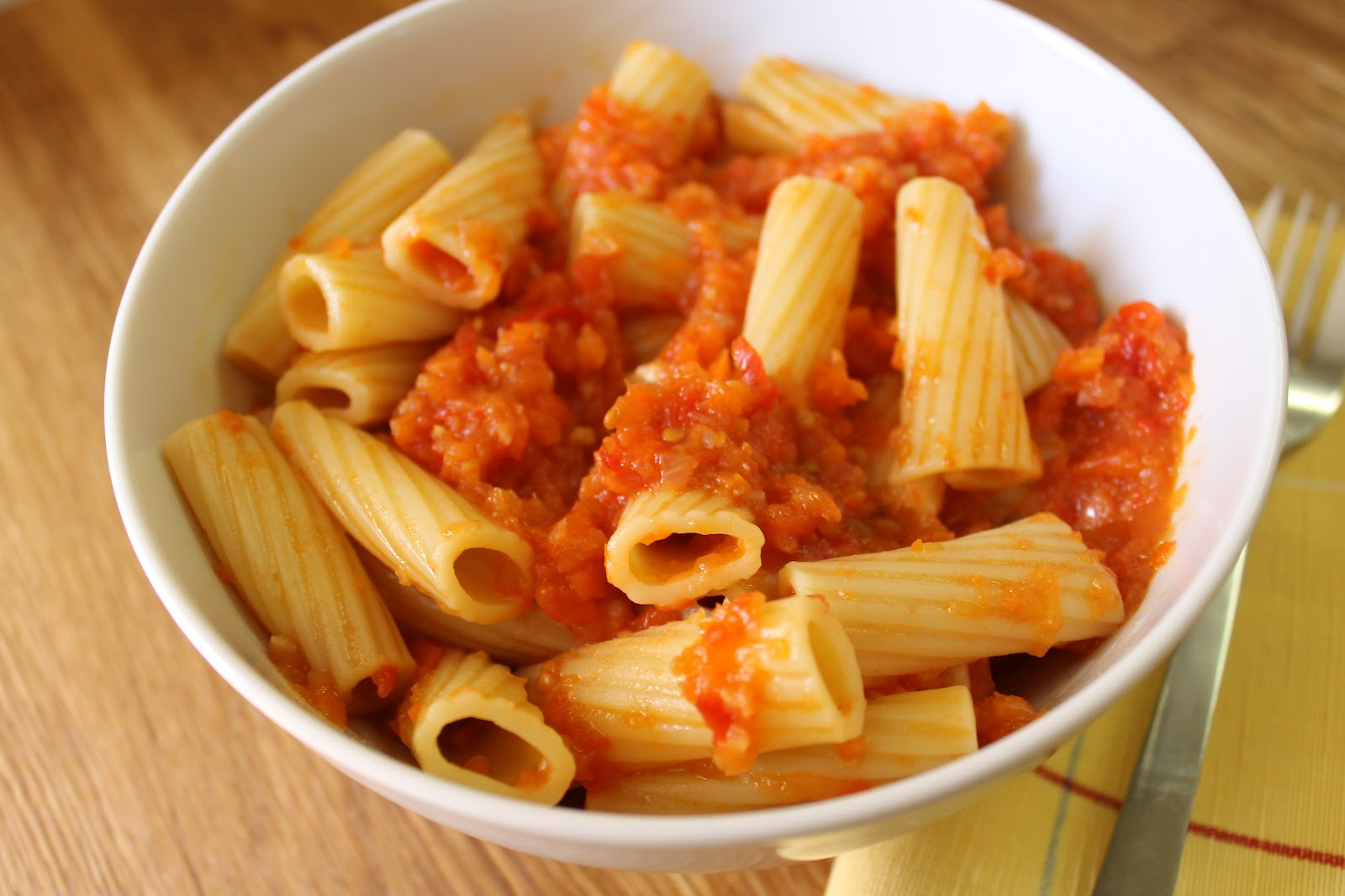 Savoir Faire: How to Trick Picky Eaters: Rigatoni with Vegetable Sauce