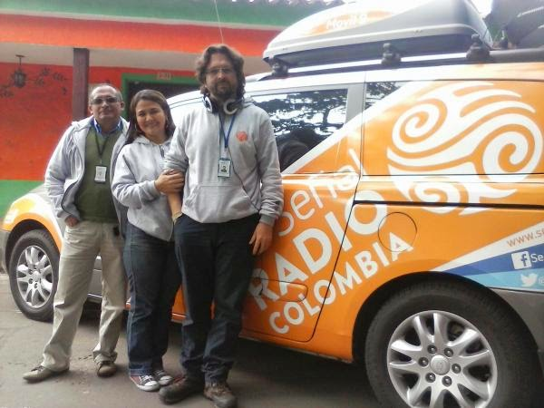Transmisión en vivo y en directo desde la Vereda Churubaco en Cundinamarca. - See more at: http://www.senalradiocolombia.gov.co/noticia/un-o-acompa-ando-al-campo-en-la-radio#sthash.Ggw1tunu.dpuf