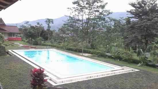 Kolam Renang Hotel Tridaya Puncak