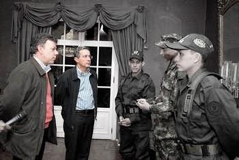 Uribe y Santos | Ejército