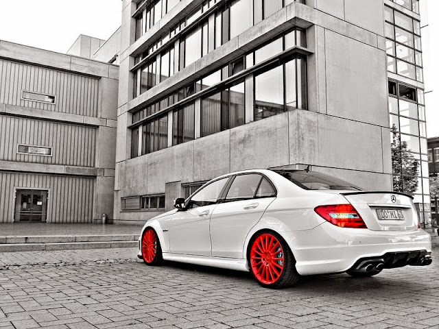 mercedes c63 amg red wheels