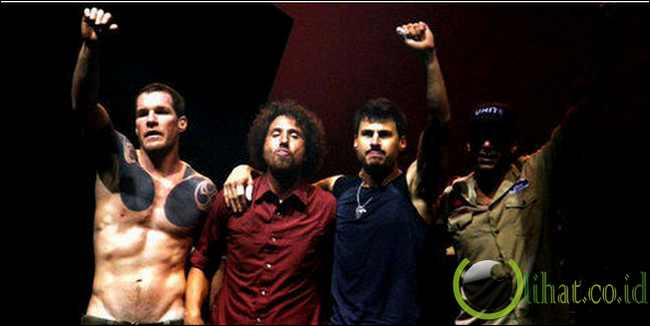 Rage Against The Machine - No Shelter