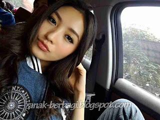 Foto Selfie Natasha Wilona Didalam Mobil