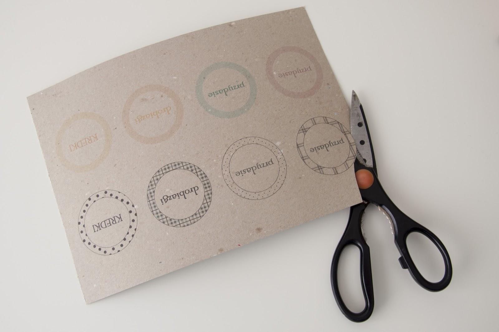 nożyczki okrągłe etykiety
