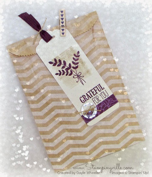 Scalloped gift tag and printed kraft gift bag | by Stampingville #StampinUp