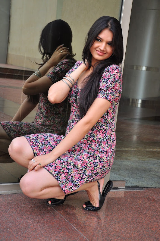 Actress Tasha Stills Gallery hot photos