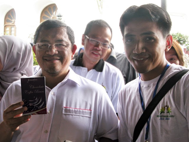 Cokelat Chocofortuna bersama Gubernur Jawa Barat, Ahmad Heryawan