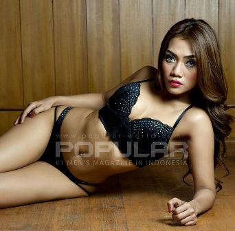 Download Foto Hani Putri Hot Sexy Model POPULAR World Indonesia Edisi Oktober 2014 | www.insight-zone.com