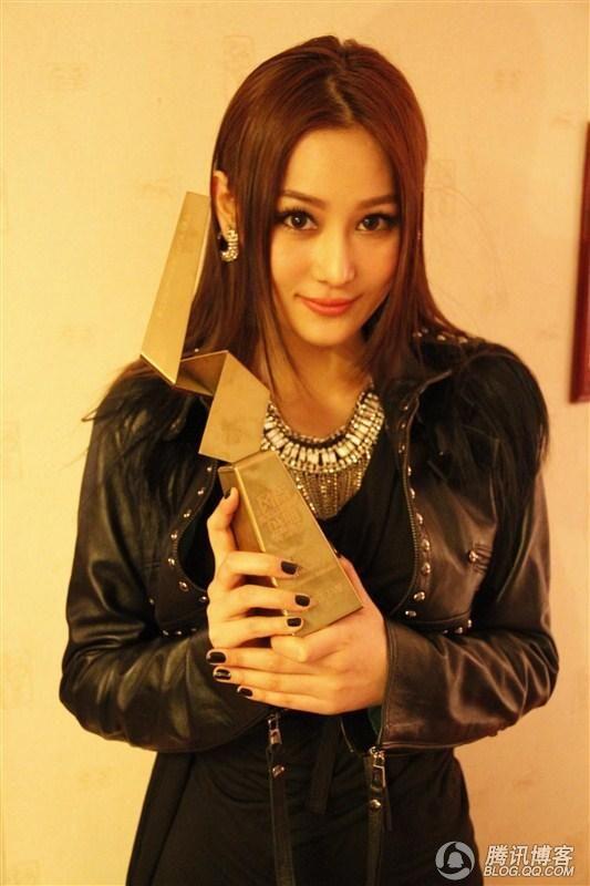 Zhang Xin Yu 张馨予 - Hottie At The Pool Sequel - I am an Asian Girl