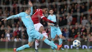 MU vs PSV 0-0: Van Gaal dan Rooney Kecewa