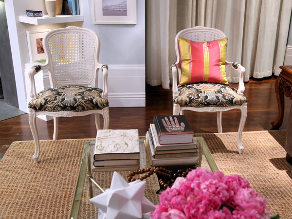 PICTURES New Jersey living room PT - Rashon Carraway