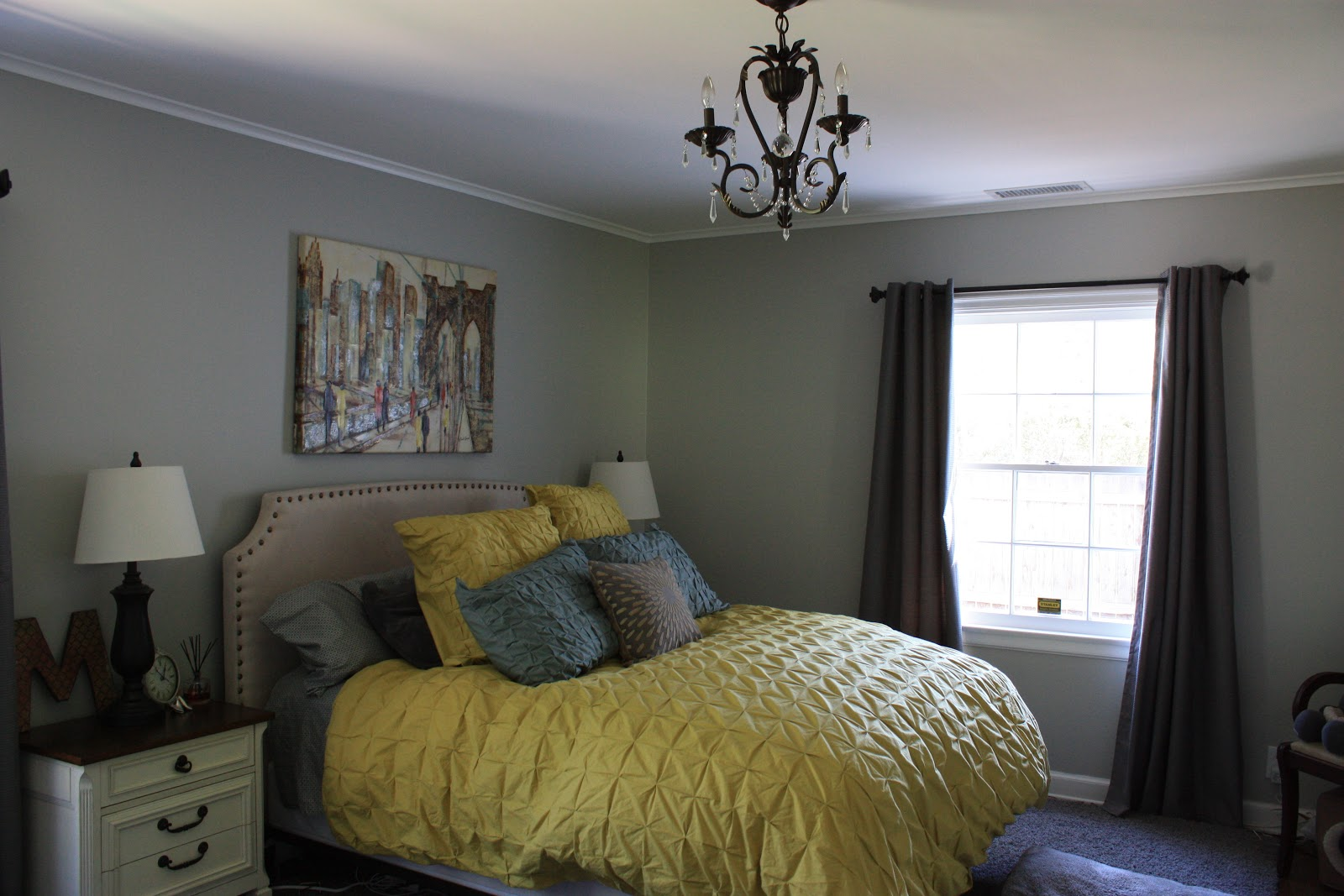 canary yellow bedding! so stunning.