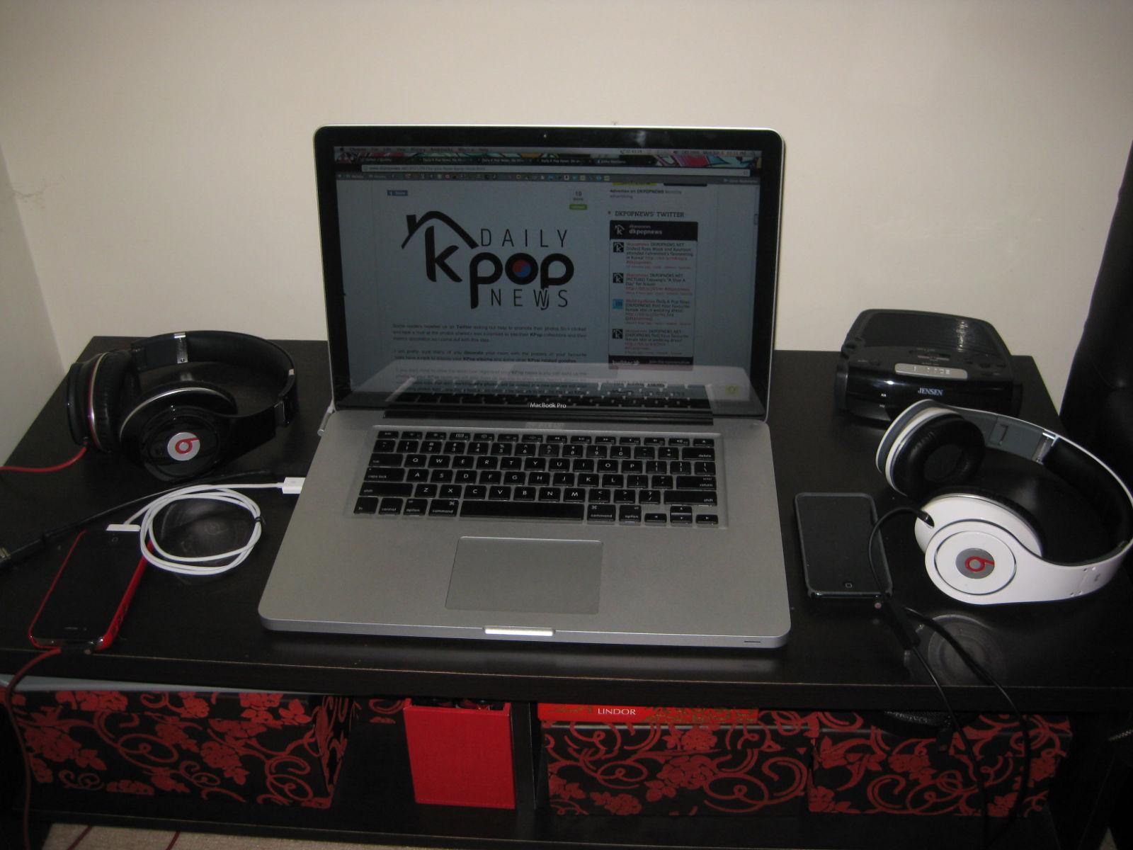 My KPop Room Chapter 3:Josh's room!