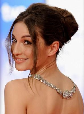 Maria Valverde Hairstyle 28