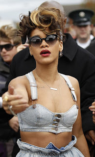 Rihanna kicked out a reporter for racism
